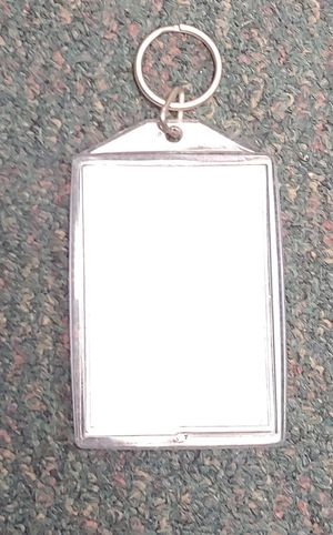 "Keychain Picture Frame. Holds 3""×2"" Photo for Sale in Burlington, NC"