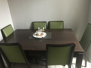 Dining Room Table ! for Sale in Hialeah, FL