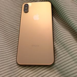 Unlocked iPhone XS 64GB GOLD for Sale in Everett, WA
