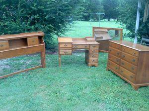 Full size bedroom set for Sale in Murfreesboro, TN