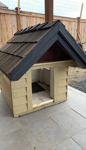 Puppy house for sale this is too small for my dog for Sale in Vancouver, WA
