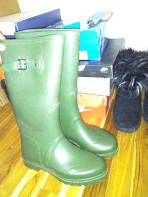 Real Michael kors rain boots size 8 for Sale in Cincinnati, OH