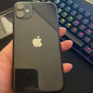iPhone 11 64gb For AT&T for Sale in San Jose, CA