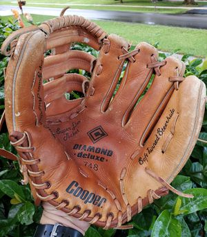 COOPER DIAMOND DELUXE 13 INCH SOFTBALL/ BASEBALL GLOVE #748 SOFT TANNED STEERHIDE for Sale in Boca Raton, FL