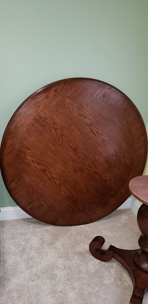 Round dining table & 4 chairs $100 FIRM for Sale in Clayton, NC