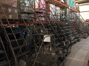 3 step and 10 step rolling ladders for Sale in Orlando, FL