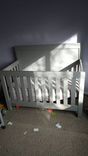Crib and changing table for Sale in Lincoln Acres, CA