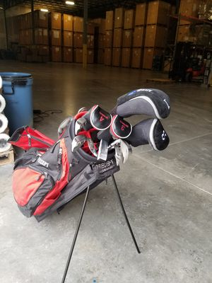 Golf clubs set in good condition for Sale in Sterling, VA