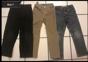 3 pantalones size 7 for Sale in Lynwood, CA