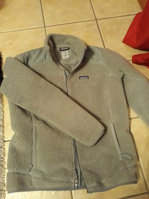 Women's Patagonia fur coat size L for Sale in Palos Hills, IL