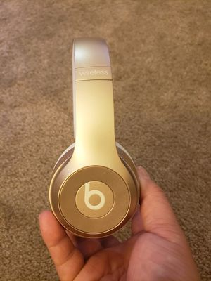 Beats solo 3 in good condition for Sale in San Bernardino, CA