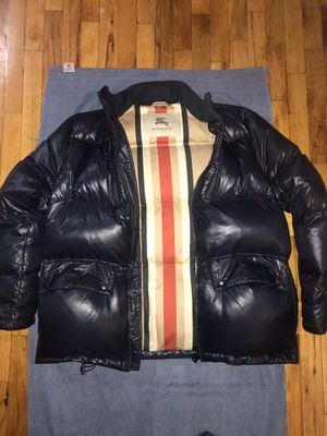 Burberry parka duck down puffer coat bubble gloss Heavy Duty Navy Size XL extra large new condition $500 slightly negotiable for Sale in New York, NY