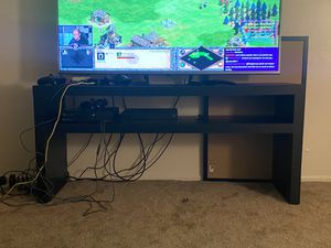 TV stand table in great condition for Sale in Castro Valley, CA