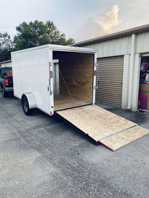 Enclosed trailer for Sale in Houston, TX
