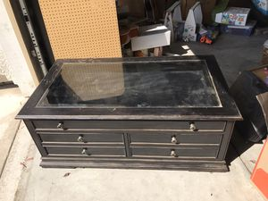 Black Thomasville coffee table for Sale in Turlock, CA