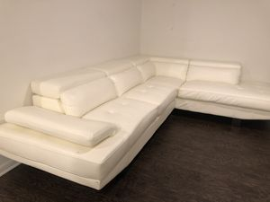 White 2-pcs Sectional Faux Leather Living Room Couch for Sale in Plano, TX
