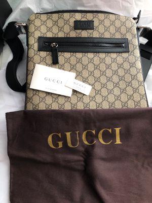 Authentic Gucci Supreme Crossbody Messenger Bag for Sale in Deltona, FL
