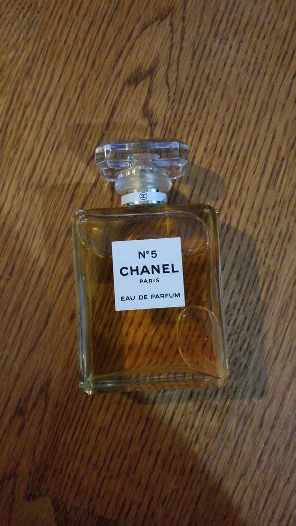 No.5 Chanel perfume