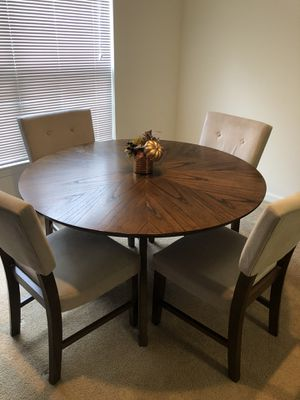 Raymour Flanigan Dinning table and Chairs for Sale in Shelton, CT