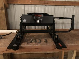 Curt e16 sliding 5th wheel hitch for Sale in Big Lake, MN