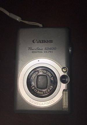 Cannon camera with carrying case for Sale in Cypress, TX