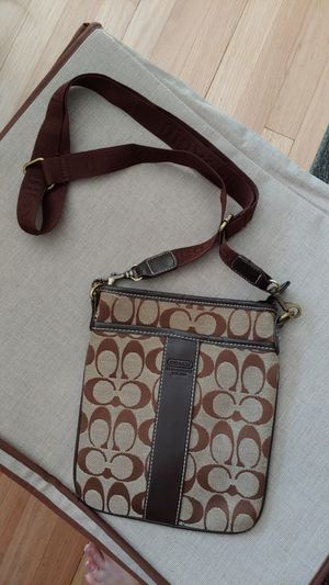 Coach crossbody bag for Sale in Milwaukee, WI