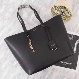 Genuine leather tote bag for Sale in San Jose, CA