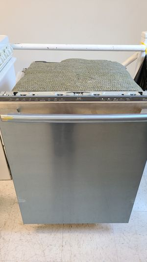 Electrolux dishwasher new with 6 month's warranty for Sale in Mount Rainier, MD