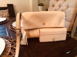 Kate spade ♠️ purse and wallet for Sale in Houston, TX