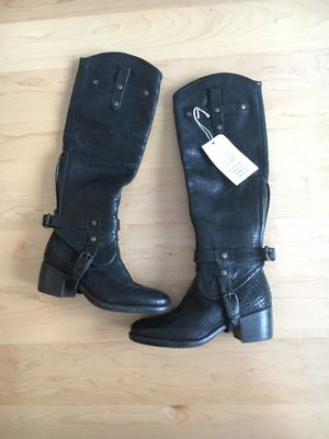 Brand new no box UGG two way boots size 5 for Sale in Boston, MA