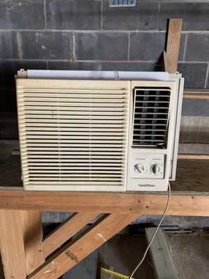 Air conditioner ac 8k btu for Sale in Pittsburgh, PA