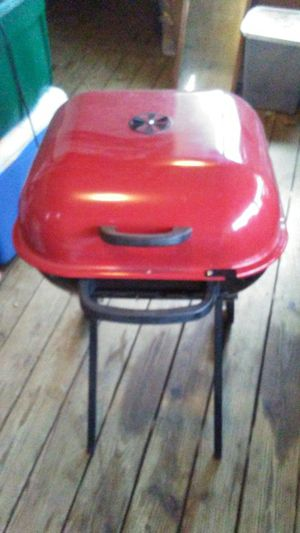 Charcoal grill for Sale in Boon, MI