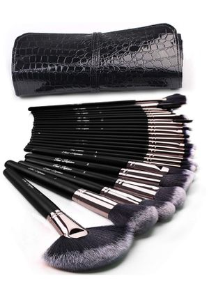 Makeup Brushes 24pcs Makeup Brushes Set for Sale in Modesto, CA