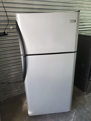 Frigidaire stainless steel refrigerator for Sale in Nashville, TN