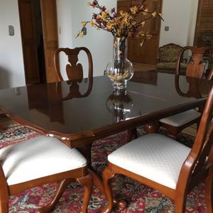 Complete Dining Set w 4 Chairs, China Hutch and 2 Extension Leaves for Sale in Littleton, CO