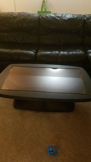 3 tables with glass great conditions for Sale in Clifton, NJ