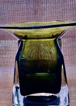 Beautiful Mid Century Vase for Sale in Fullerton,  CA