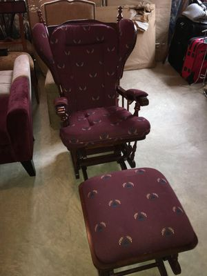 ***** Glider Rocking Chair ***** for Sale in Clifton, VA