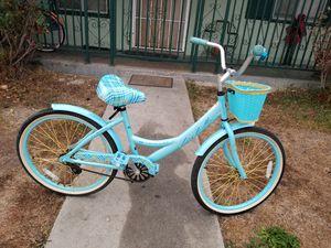 Women bike huffy size24 $60 for Sale in Carson, CA