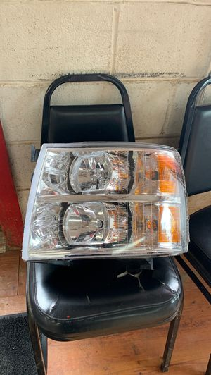 2007-2013 chevy truck new headlight assembly for Sale in House Springs, MO