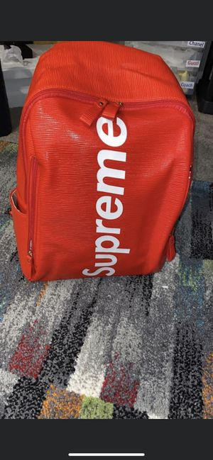 Supreme backpack for Sale in Auburndale, MA
