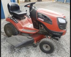 Craftsman YT3000 Riding Lawn Mower for Sale in Gambrills, MD