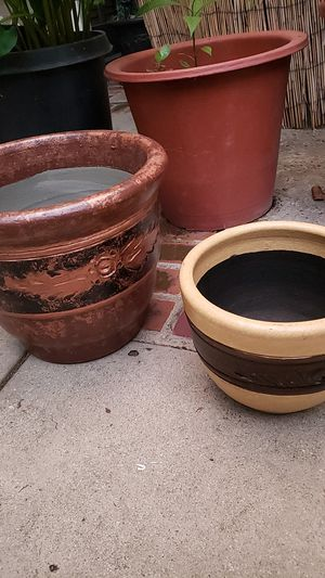 """Two plants pots mud , 1 its 12"""" and the other one it's 8"""" new for Sale in City of Industry, CA"""