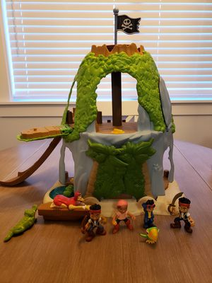 USED Disney Jake and The Never Land Pirates: Jake's Magical Tiki Hideout Playset for Sale in Tacoma, WA