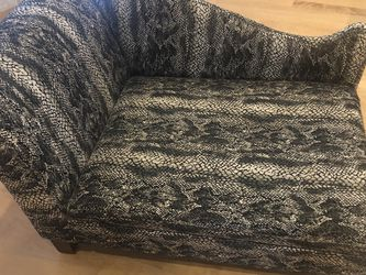 Pet Chaise Lounge Sofa Couch Bed Furniture for Sale in Channahon,  IL