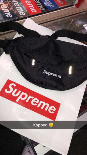 Supreme bag for Sale in Sicklerville, NJ