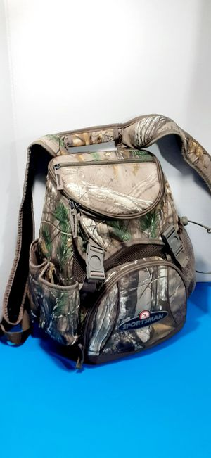 SPORTSMAN IGLOO COOLER BACKPACK SMALL for Sale in Houston, TX