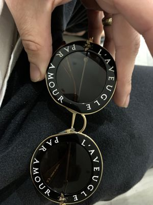 """Gucci """"blind for love"""" sunglasses for Sale in Miami, FL"""