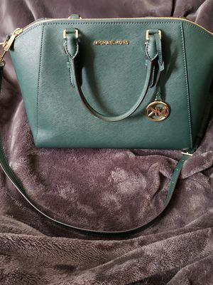 Authentic Michael Kors purse and matching wallet for Sale in Sacramento, CA