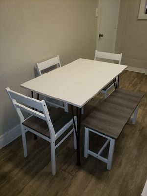 5 Pc Dining Set in White with Distressed Gray Finish for Sale in Pomona, CA